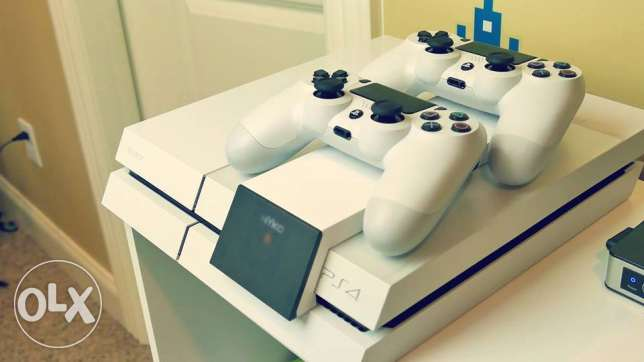 Playstation 4 500GB White console for sale