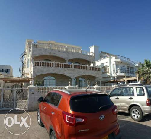 Al Hail North Penthouse Specious Flat with Private Terrace & Parking i مسقط -  2