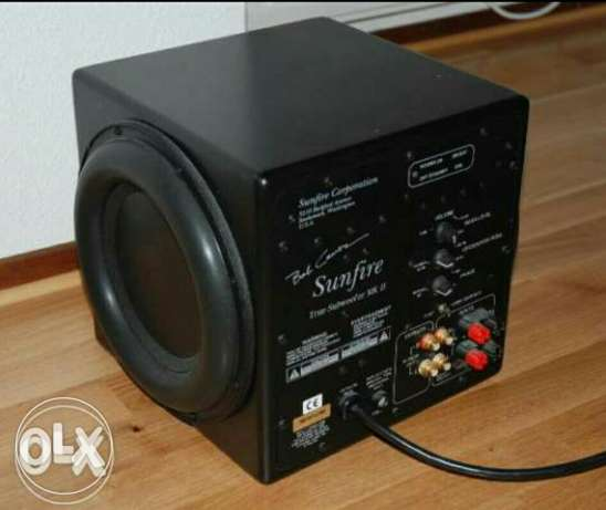 Sunfire subwoofer 2700 watts ( reduced price to sell)