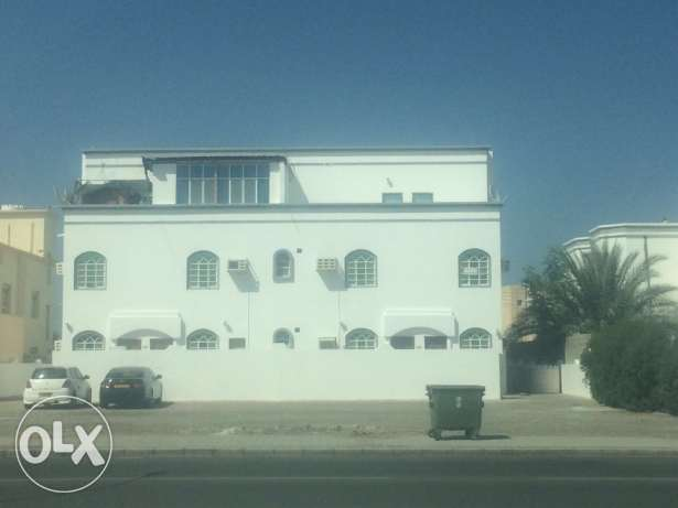 apartments in Alkhoudh