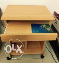 Computer laptop Table - Expat Leaving Muscat