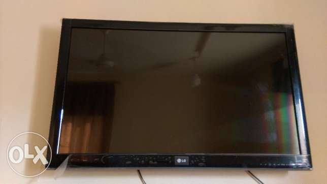 "LG TV LCD 42"" inch+ antina+dish TV setup box مسقط -  3"