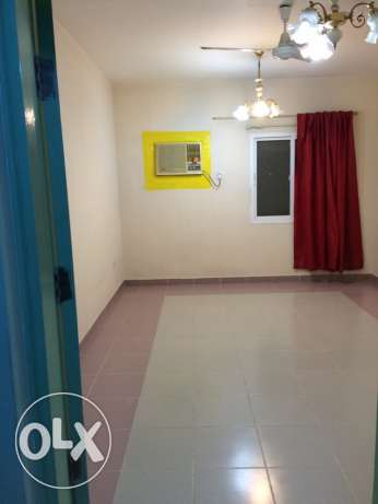 big room for rent! cheap price!! and good location مسقط -  1