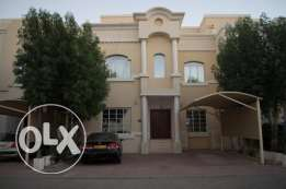 Nice 5 bedroom villa for rent Rehab Al Mawalleh complex