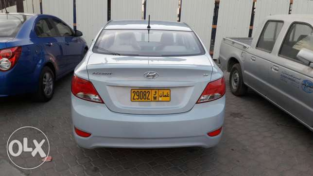 Hyundai accent 1.6 in good condition at wadi kabir مسقط -  6