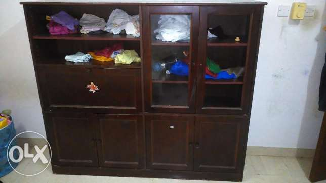 Cupboard for sale in Alkhuwair near sell petrol 15 or