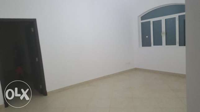 e1 villa for rent in al ozaiba behind shell petrol بوشر -  7