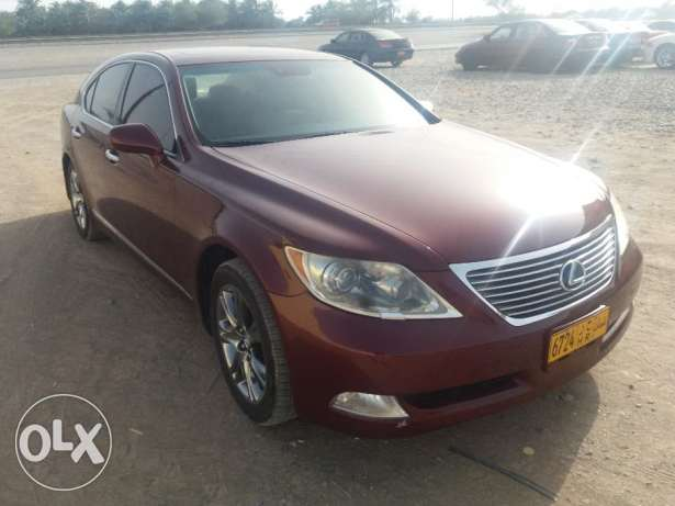 Ls460 Maroön with out Accident