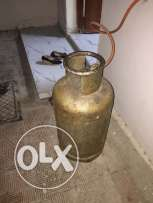 Cylinder with full gas