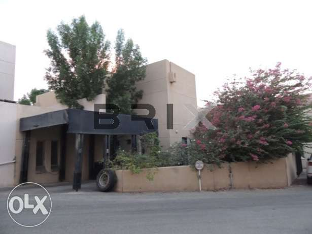 Qurum - 3 Bedroom Villa For Rent