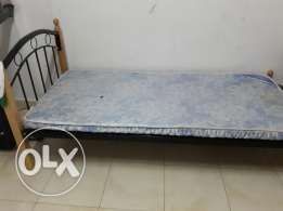 Cot for sale alkhuwair