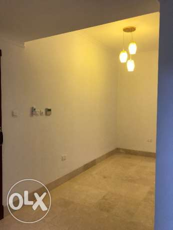 New flat Rooms for rent in front of avenues mall for family