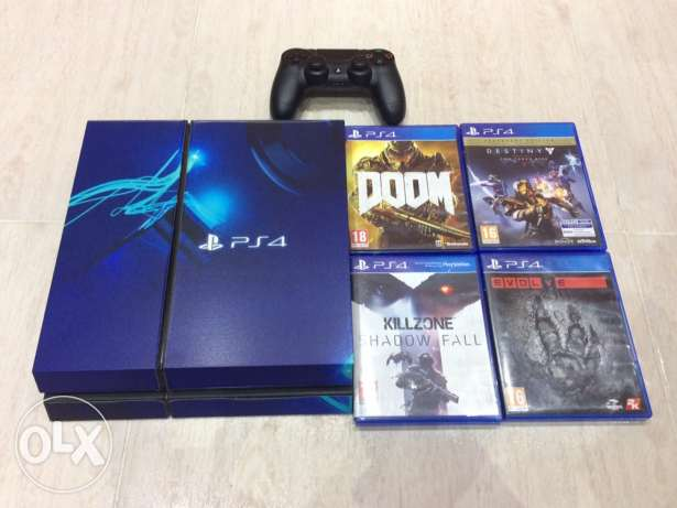 PS4 excellent condition صحار -  1