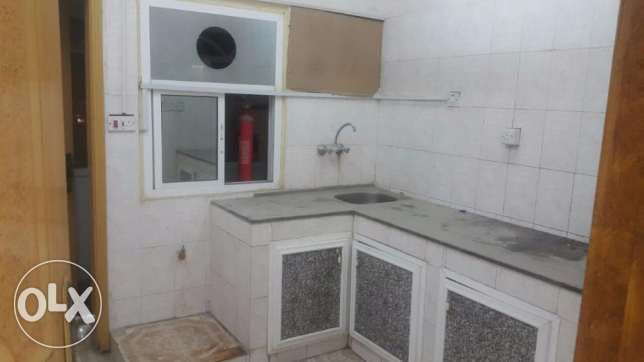 1 BHK for rent in GHoubra front of alhayat Hospital مسقط -  3