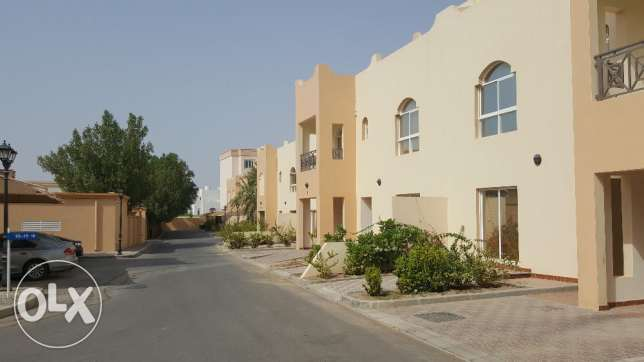 a villa for rent in a coumpound al mouna