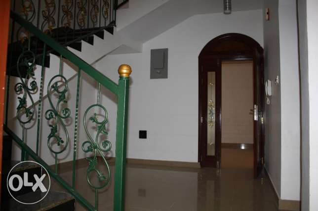 villa for rent in al mawaleh south near to vegetable souk مسقط -  3
