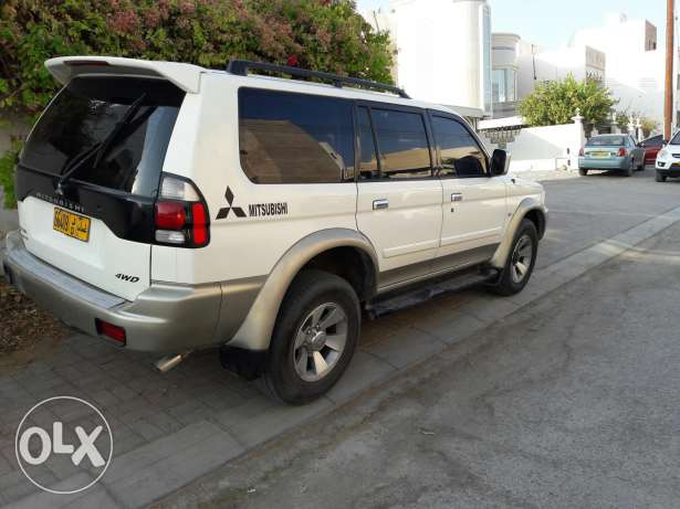 4×4 Mitsubishi 2009 full automatic No 1 original paint free accidents بوشر -  3