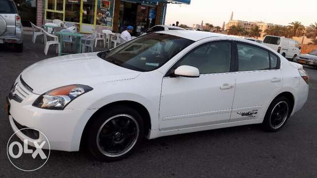 Nissan Altima 2.5 petrol very good condition (expat owned) مسقط -  2