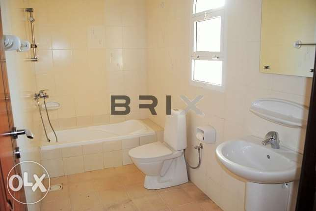 Ghubra North - 2 Bedroom Apartment with Maid's Room For Rent مسقط -  8