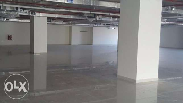 Showroom for Rent in Qurum Area = 2000 m2 only OMR 10 per sq. m. بوشر -  1