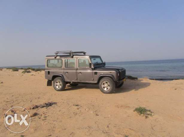 2005 Land Rover Defender 110 Station Wagon 9 Seat Excellent Condition مسقط -  7
