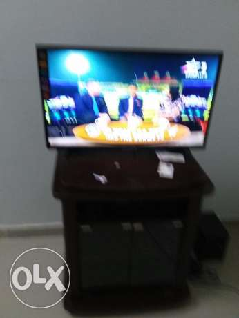 "Brand new Eurostar LED 32"" TV with trolley for sale مسقط -  1"