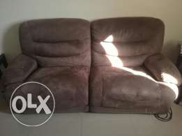 Lazy boy couch set - 3 seats - Good Condition