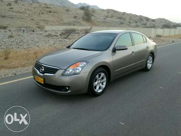 Nissan Altima in very good condition مسقط -  6