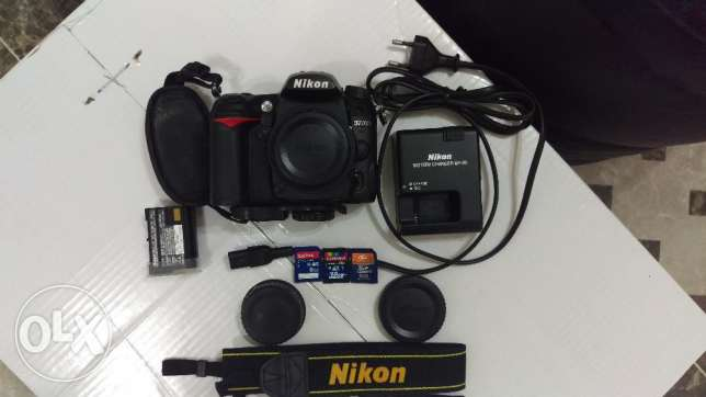 Expat leaving this Month - Nikon D7000 with a kit, boxes & accessories مسقط -  1