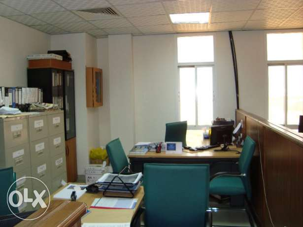 Fully furnished office at prime location in Ghala near Royal Hospital مسقط -  4