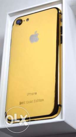 deal gold apple iphone ---7+ sealed original Apple Made