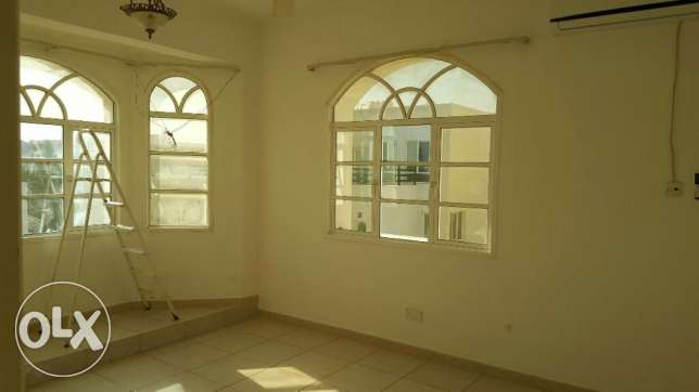 Al Hail North Penthouse Specious Flat with Private Terrace & Parking i مسقط -  5