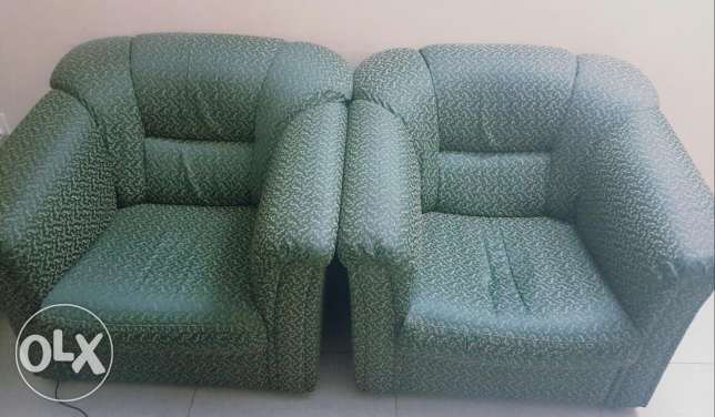 Sofa set 2+2 in good condition for sale مسقط -  2
