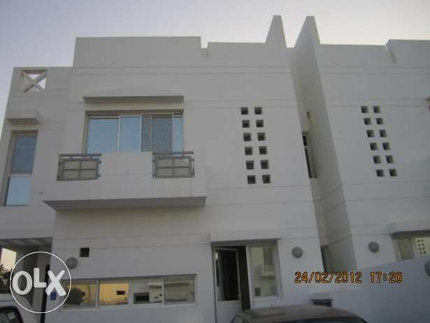 South Hail Al-Reem Compound beautiful Villa 4+Maids room with Parking
