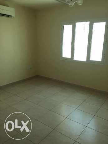 new flat for rent in ghala in good location and big area مسقط -  3