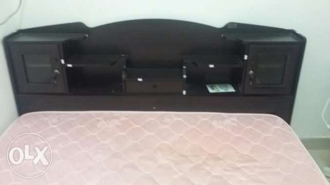 Queen Size cot with mattress in excellent condition for sale. مسقط -  4