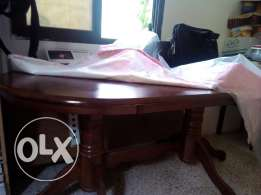 Dining Table on excellant condition with 4 chairs