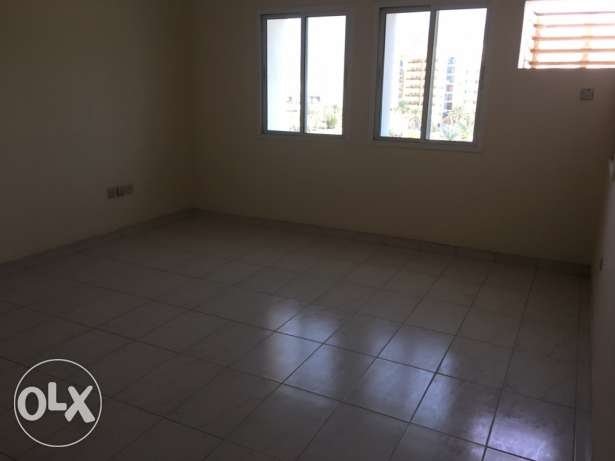 big Room for rent executive bachelor wadi kabir مسقط -  4