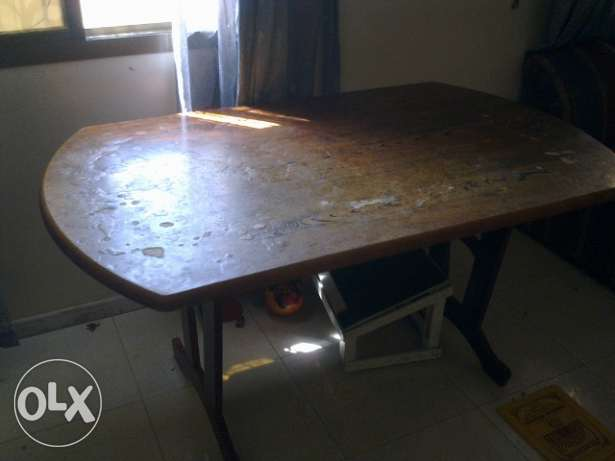 Dinning Table without chair - urgent sale نزوى -  3