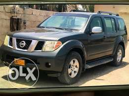 Nisaan pathfinder 2006 Gcc number 2 very nice car never accident