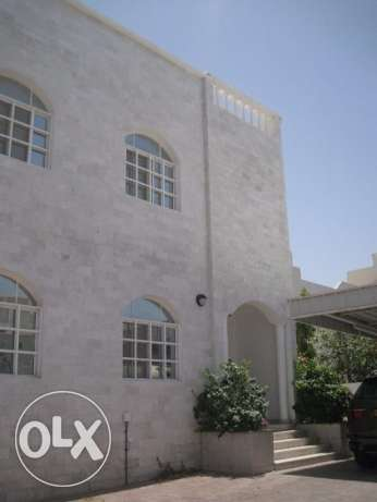 5 BR Elegant Twin Villa in Rabyat Qurum