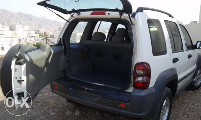 2006 GCC Jeep Cherokee - Low kilometers مسقط -  5