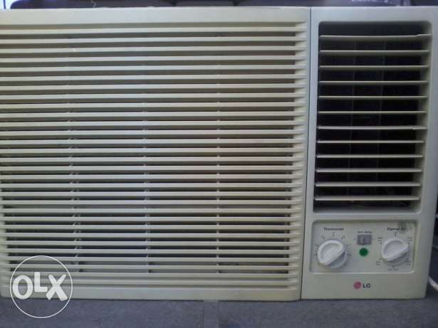 BIG RECIPROCRATING compressor window ac