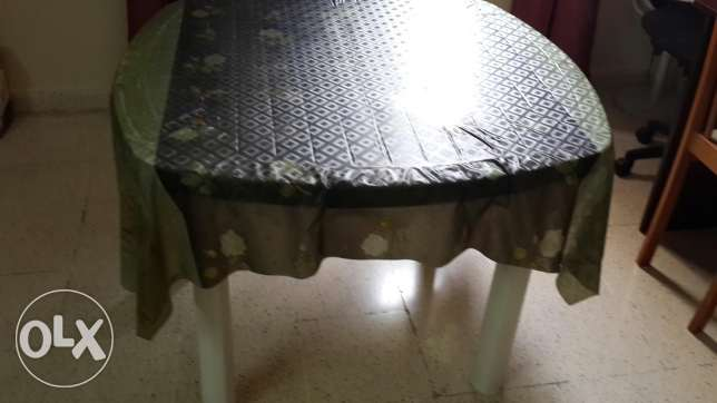 Study and dining table مسقط -  4