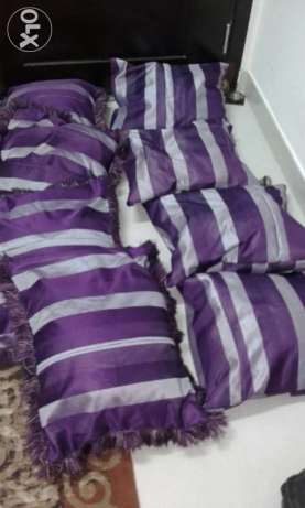 Purple cushions مسقط -  1