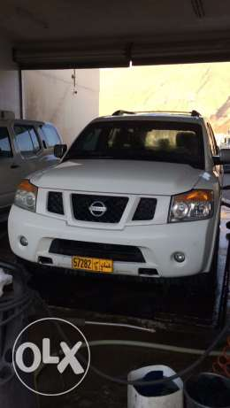 Nissan Armada 2011 SE very clean
