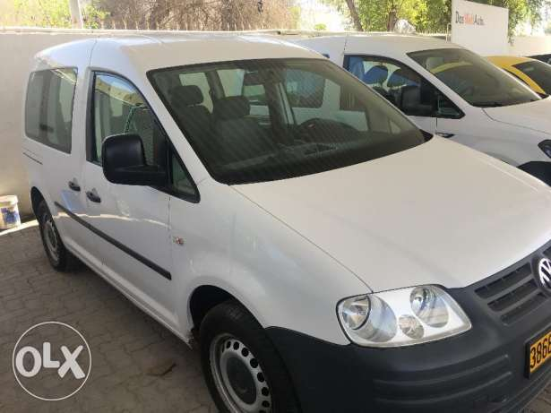 Volkswagen Caddy 1.6 Good Condition مسقط -  2
