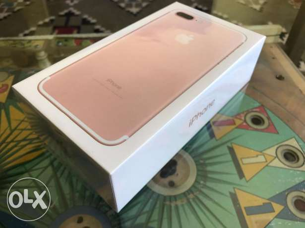 Iphone 7 . 32gb gold new sealed