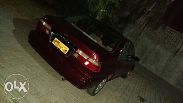Nissan sunny for sell.. going cheap... only 650 مسقط -  4