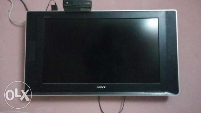 Sony LCD tv in good condition with wall bracket . Location muscat . مسقط -  7